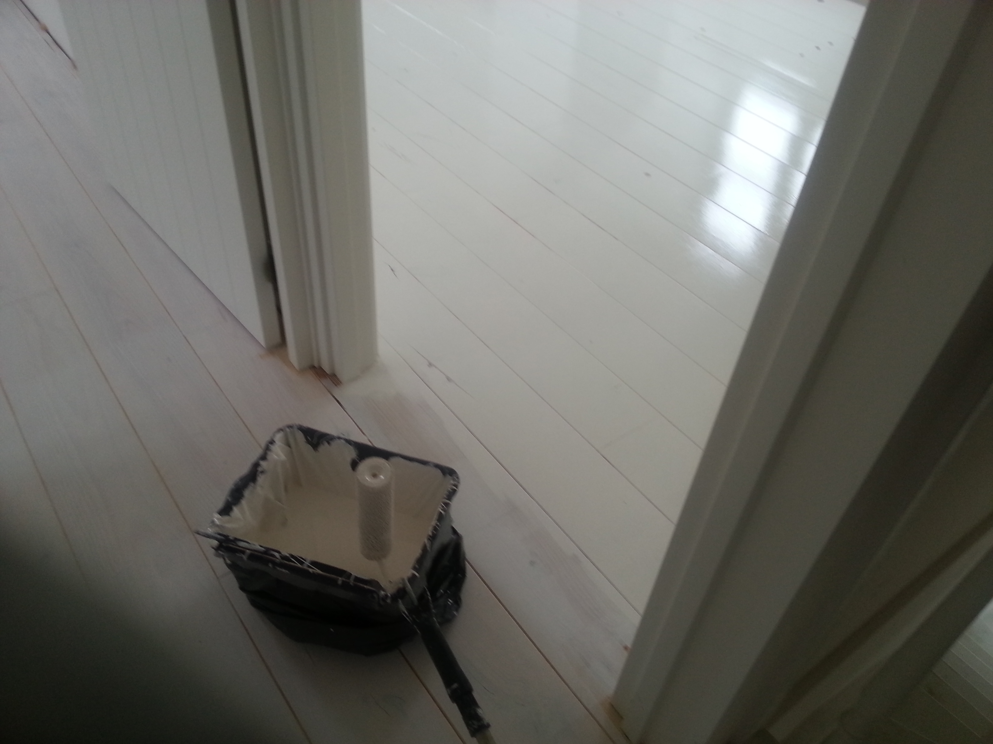 Witte Grenen Vloer : Grenen vloerdelen stofvrij geschuurd en wit geverfd